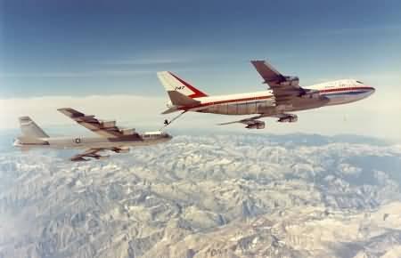 747 refueling a B52