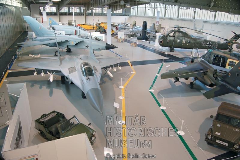 01 Hangar 7